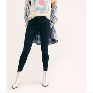 Ivy Mid-Rise Skinny Jeans